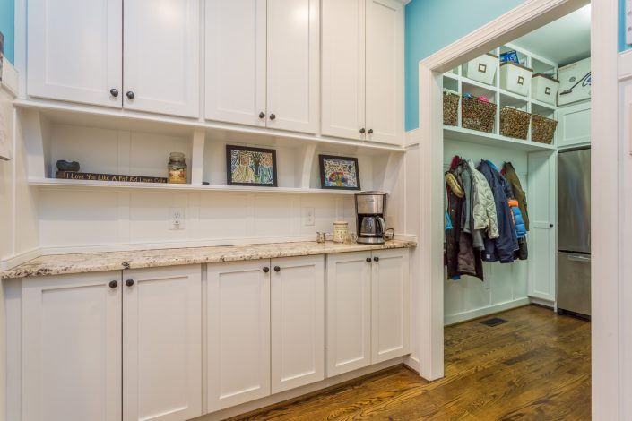 traditional style butlers pantry and mudroom
